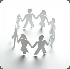 Een gezin hand in hand. Voor ouders met een opvoedprobleem, die al van alles geprobeerd hebben en niets lijkt te helpen. Een opvoedopstelling helpt de ontspanning weer terug te brengen in het gezin